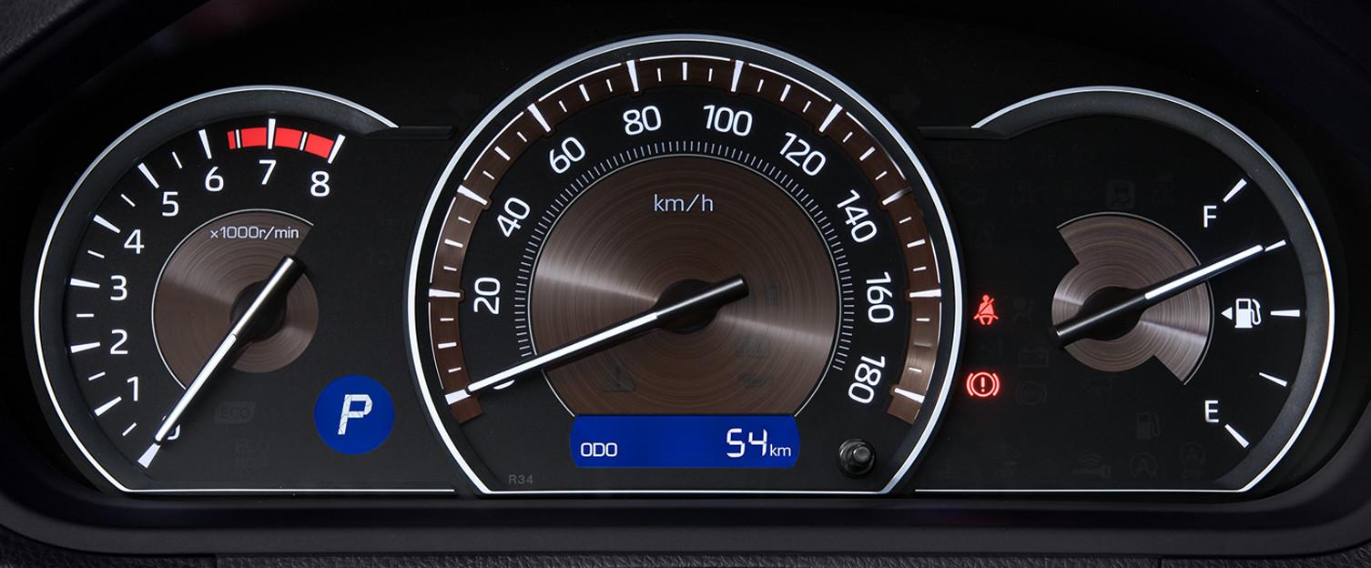 エスクァイア、ハイブリッドとガソリンの比較、ガソリン車オプティトロンメーター